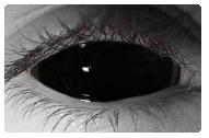 kontaktní čočky černé