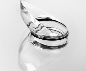 poškození kontaktní čočky